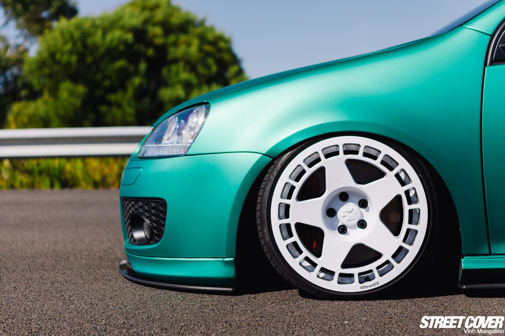 大众MK5 GTI金属珊瑚绿大秀纯白轮毂
