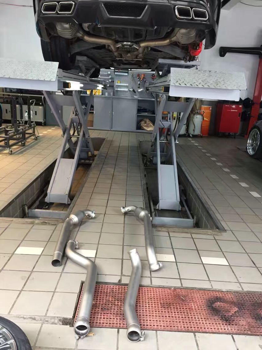 奔驰AMG C63(W204 model)升级SWICA高流量触媒段Down pipe