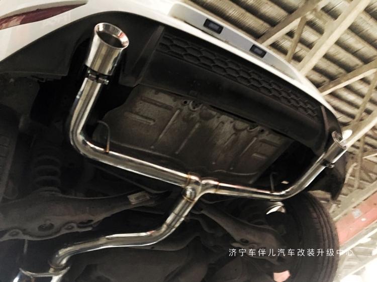 #车伴儿#高尔夫7 GTI ARM排气中尾装车  年终完美收官  新年快乐