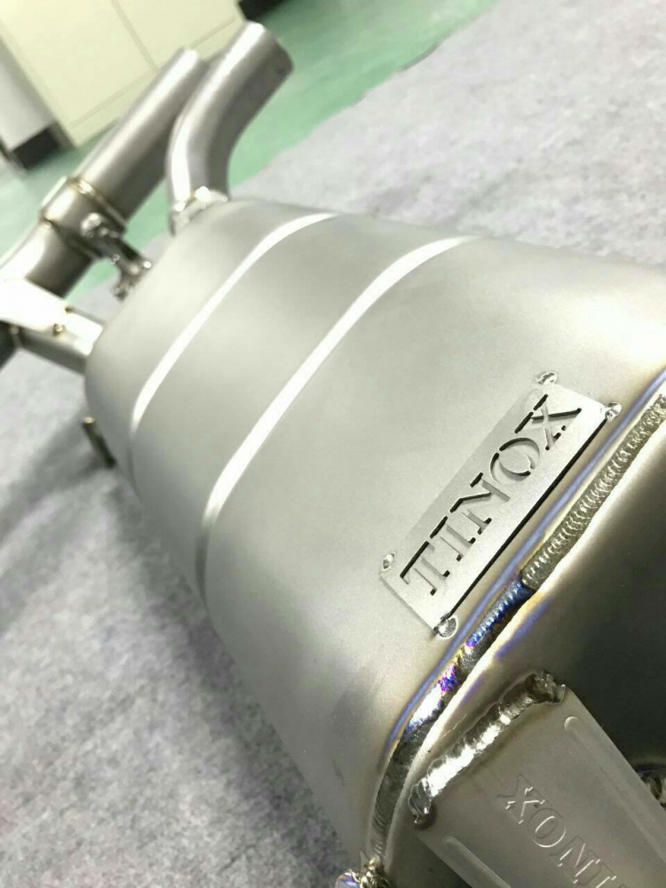 宝马M2安装Tinox钛合金中尾阀门排气装车效果