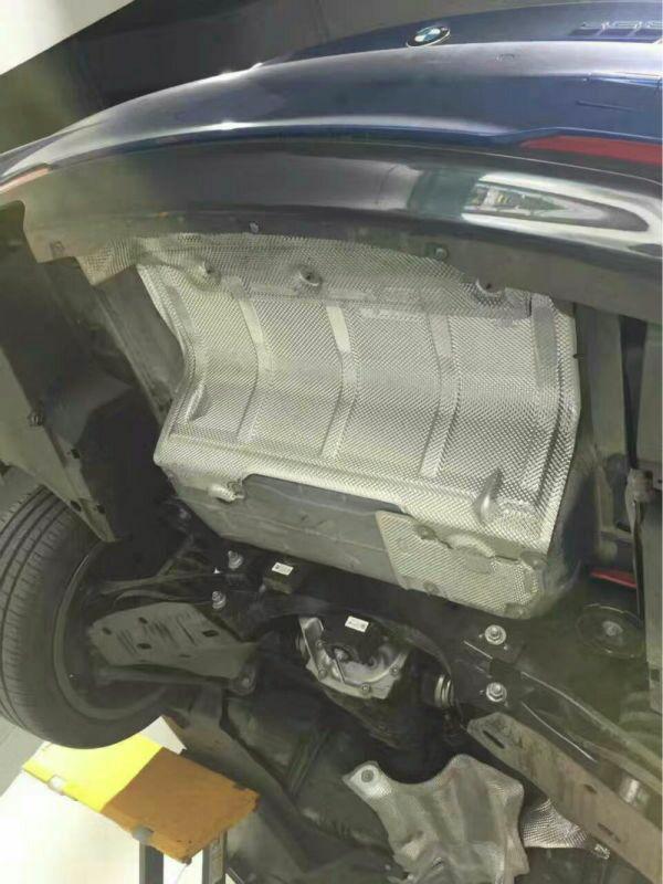 宝马328i 改装Repose中尾段双边单出排气原装位完美安装 效果非常? 客户非常满意