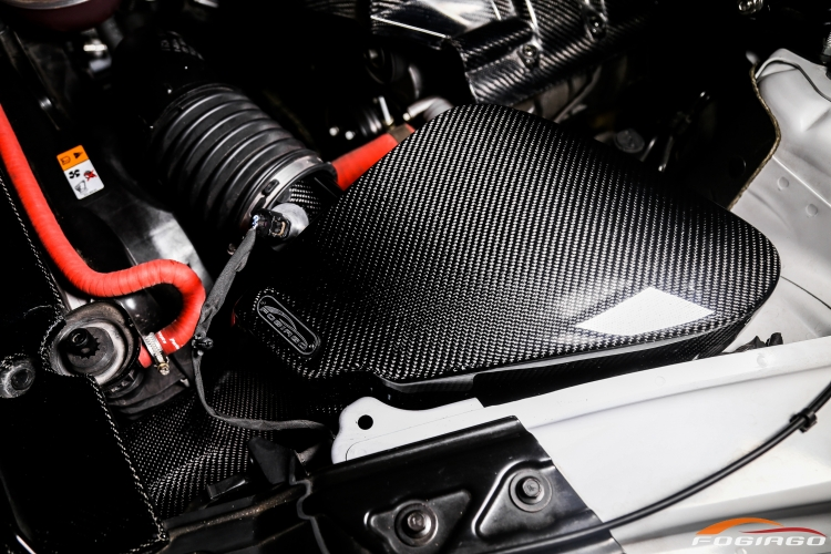 FOGIAGO 福特野马2.3T热压干碳纤冷进气风箱