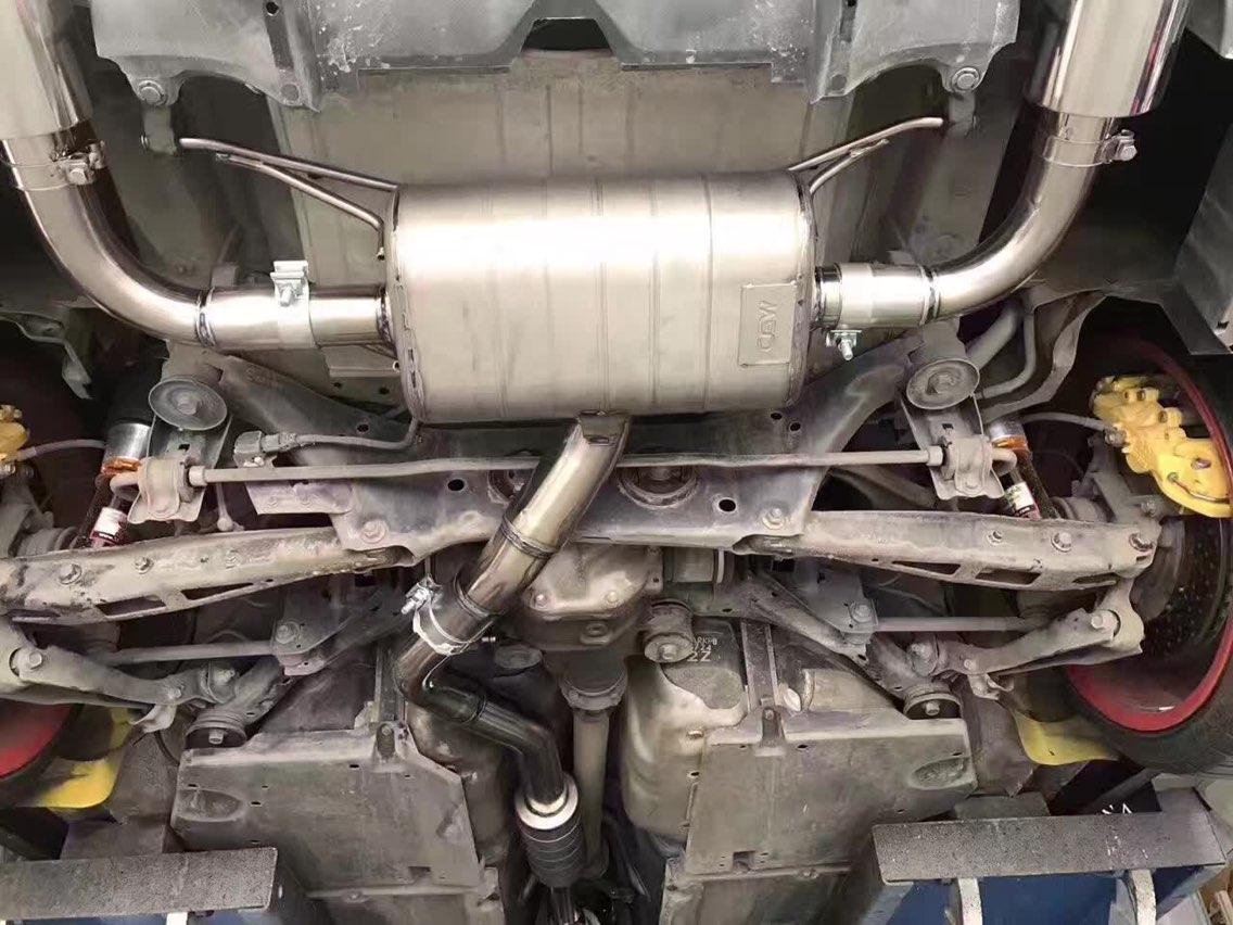 BRZ  定制CGW前中尾钛合金排气,搭配114大口径尾咀,原装位安装 ,不单独骚蓝的外表[偷笑]