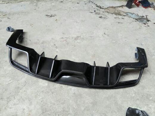 野马  碳纤维发动机盖  红色碳纤   AC四出后唇  质量成色杠杠的