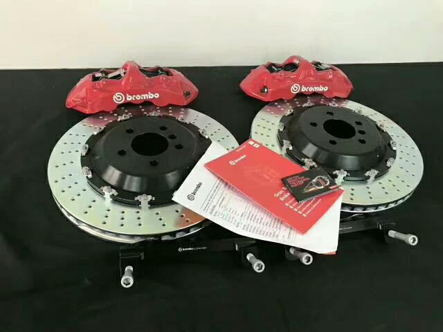 飞狮改装, Brembo GT前六后四 , 前BremboGT6 后BremboGT4 前六后四刹车适用于宝马各系18寸以上轮毂,