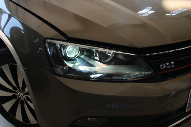 大众速腾原车灯光效果差如何改装大灯?