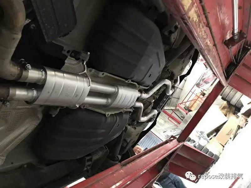 路虎揽胜运动版3.0T 改装repose四出中尾段带阀门排气