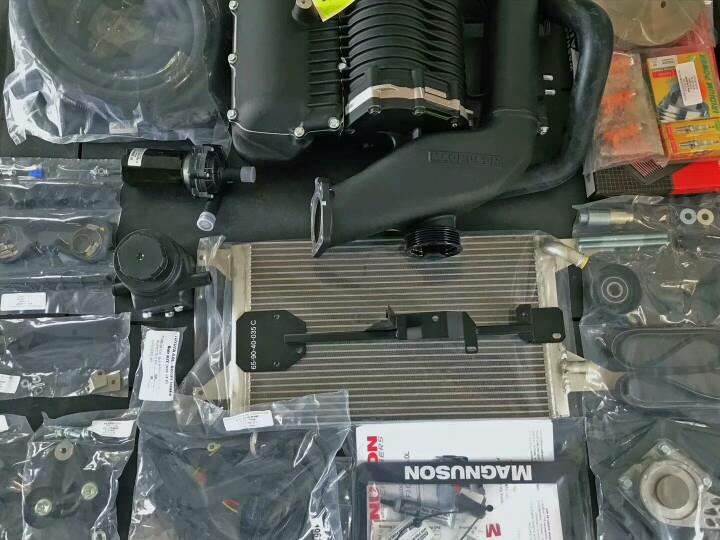 普拉多LC150动力爆改装。   先上一台4.0机械增压开场戏其他配件陆续到货。