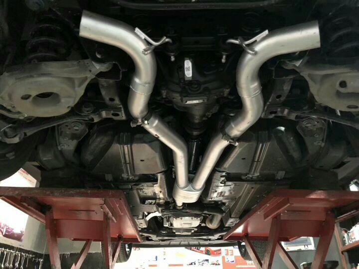 福特野马2.3T  改装 Repose中尾段Ra系列四出排气 Repose-Ra系列,正常行驶不吵,急加速大脚油声浪高亢,放炮,涡轮车改排气首选-Repose!