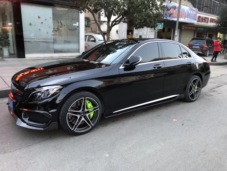 奔驰C200L 升级前轮AMG六活塞刹车卡钳、荧光绿个性颜色、帅!热线VX我吧zdgz168