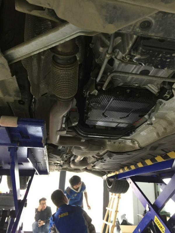 新款奔驰E300L 改装repose中尾段阀门排气 Amg四出尾嘴后唇