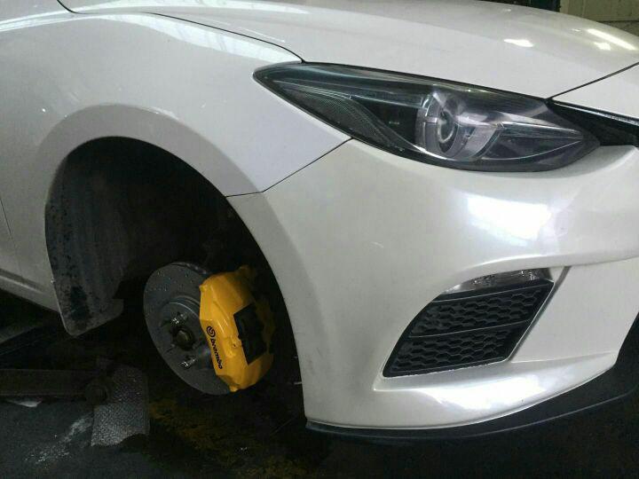 昂克赛拉 升级刹车制动系统 性价比卡钳 现场施工?
