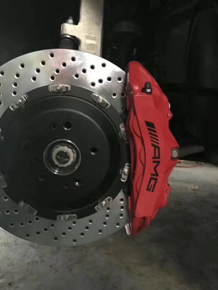 奔驰GLE刹车改装升级原厂AMG六活塞卡钳套装!