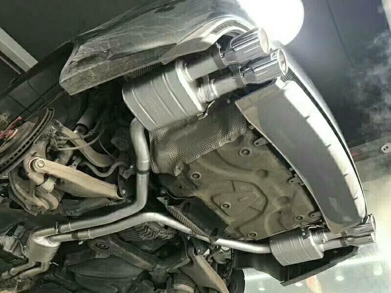 奥迪A6 3.0T  改装  Repose中尾段四出阀门排气 阀门关闭,静如原厂。阀门打开,声浪怒吼高亢,放炮声如鞭炮声!