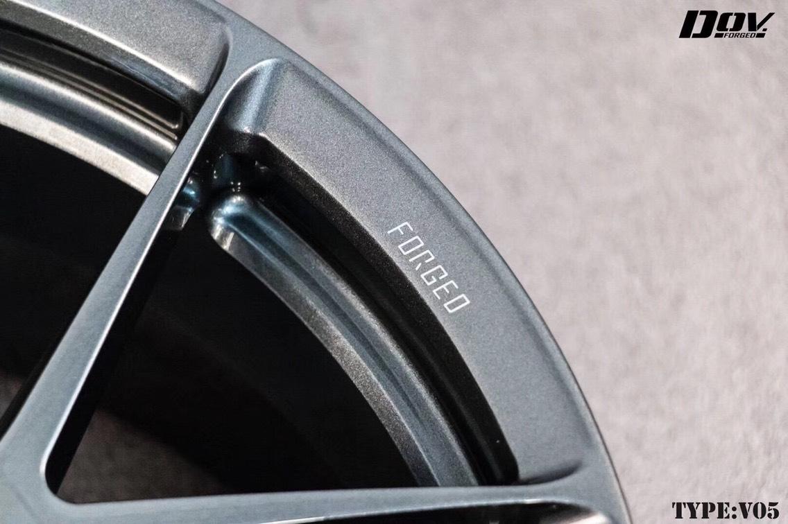DOV现货18寸,适用于奥迪S3 A4 TT 大众CC 尚酷 高尔夫奔驰A/B级等车型 现货[呲牙]
