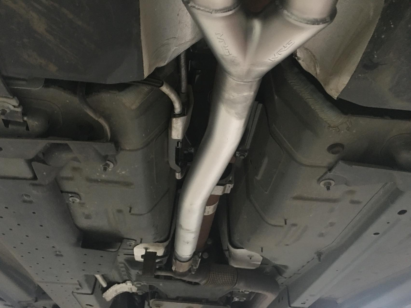 野马选择GT350四出后包围、MRG智能电子阀门四出排气、一匹声浪猛兽出炉