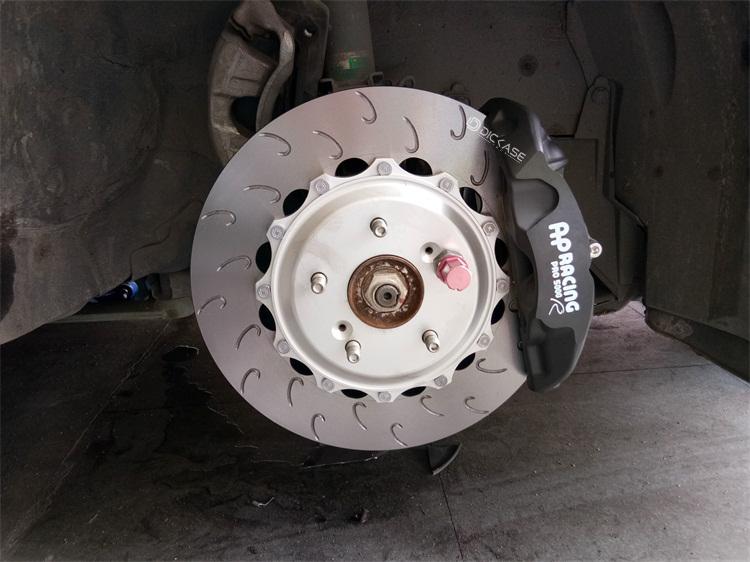 本田思域改装AP9440竞技刹车 真不能小看