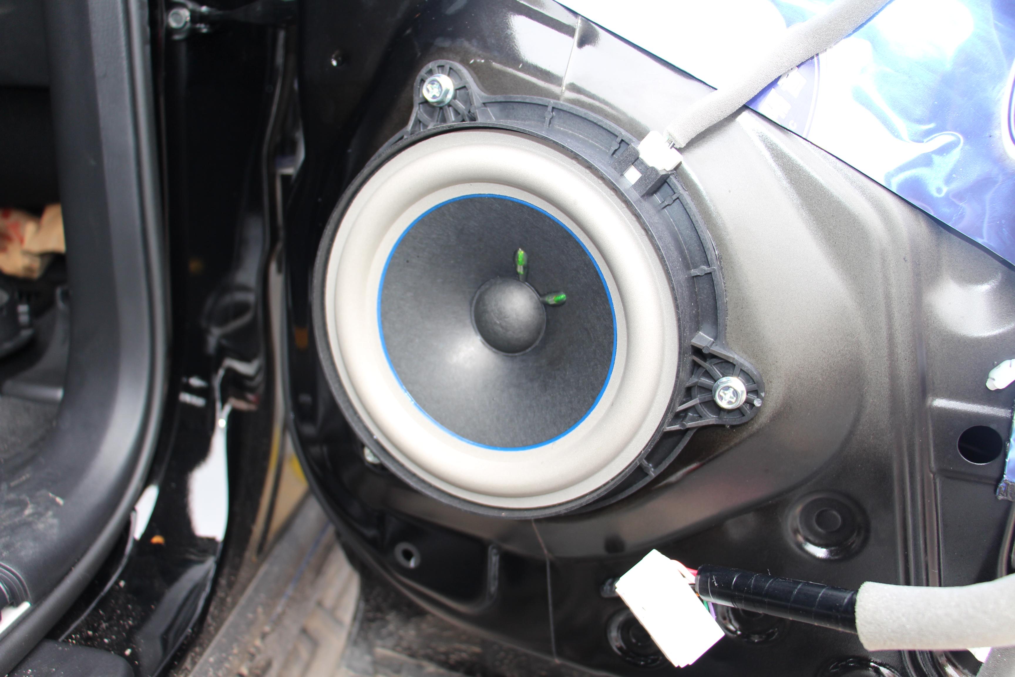 途乐加装高配BOSE音响套件+隔音