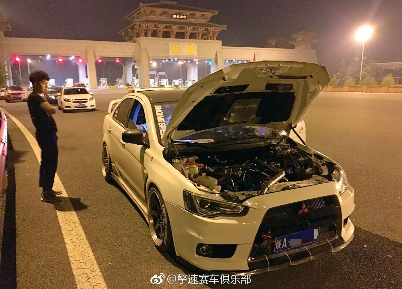 翼神4B11 2.0发动机移植4B12 2.4发动机,改装TD05涡轮增压。涡轮压力0.6Bar