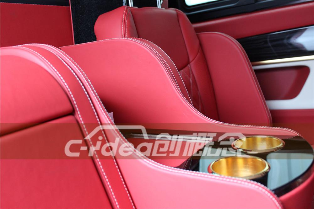 奔驰V260改装商务房车,内饰装航空座椅