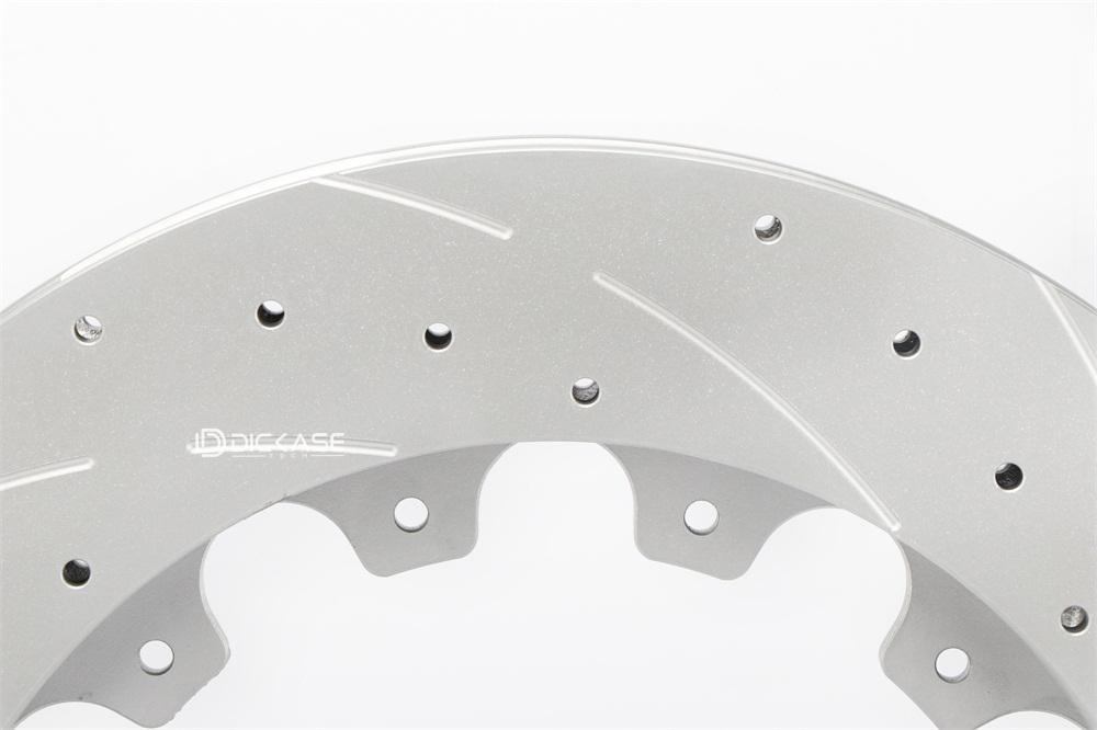 汽车改装盘上的打孔弧线花纹是什么意思