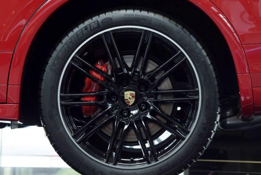 保时捷卡宴958后期改装turbo锻造轮毂21寸