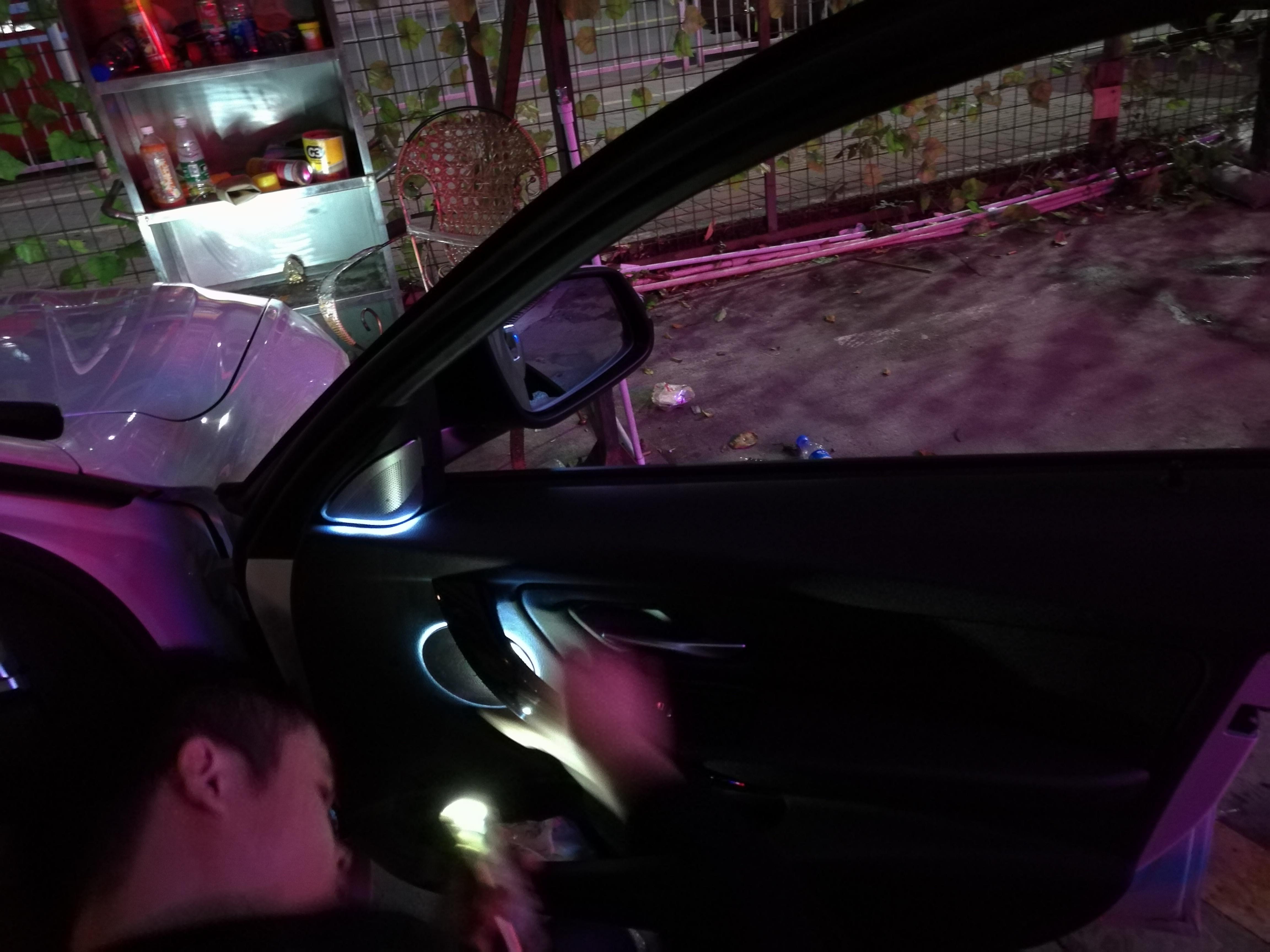 宝马3系改装柏林之声发光喇叭罩