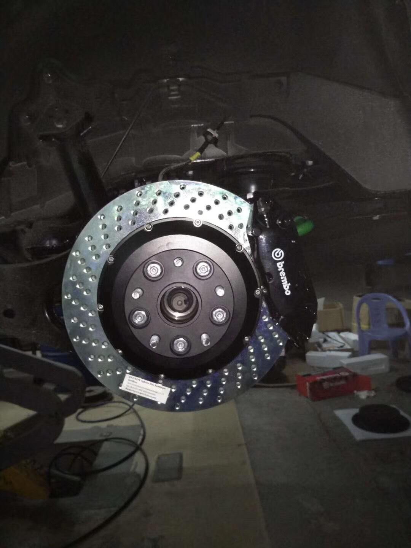 丰田汉兰达原厂轮毂升级BREMBO前六后四刹车卡钳套件,牌都没上就来改刹车了[呲牙][呲牙][呲牙]