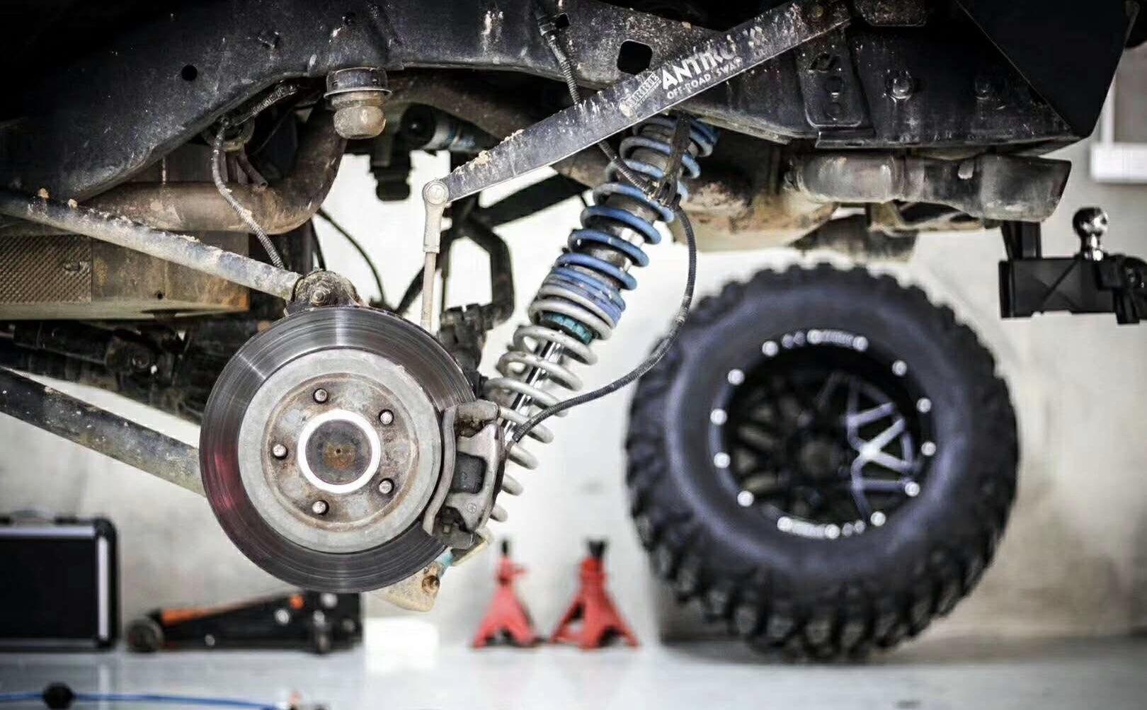 JEEP 牧马人刹车改装升级AP85前六后四刹车套装。