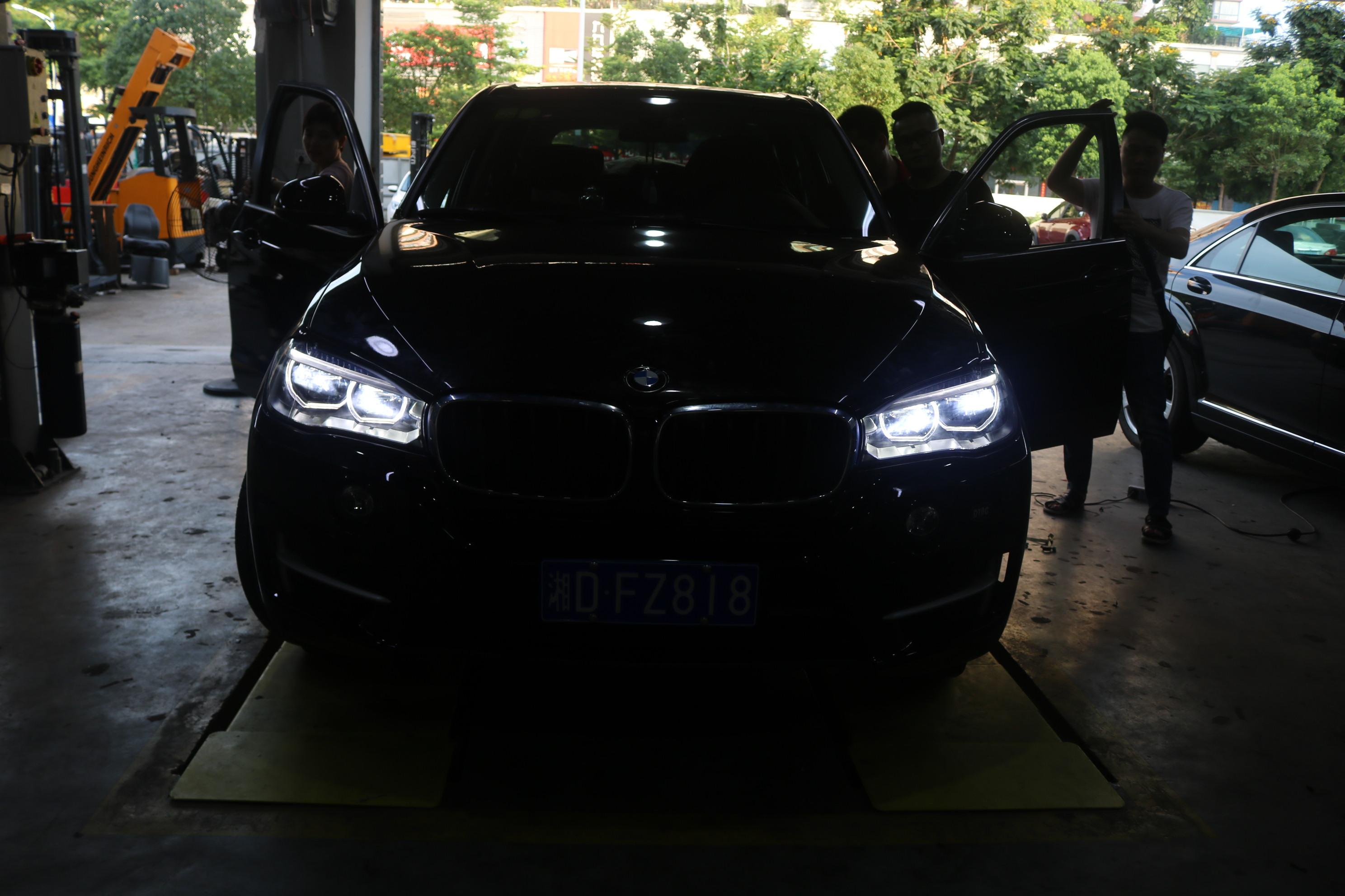 深圳龙岗专业改装宝马X5LED随动大灯