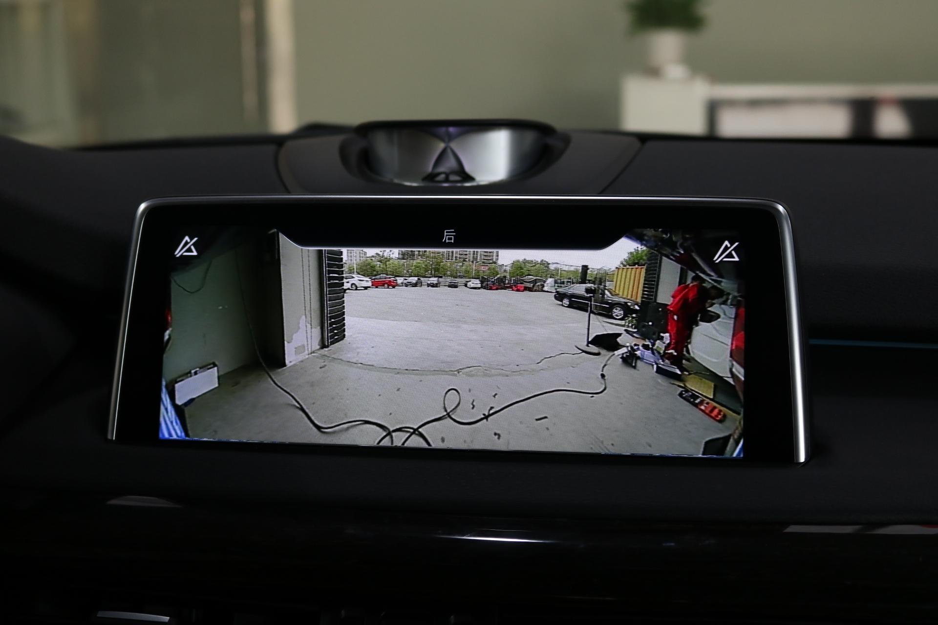 宝马X5原厂360全景3D环绕上帝视角