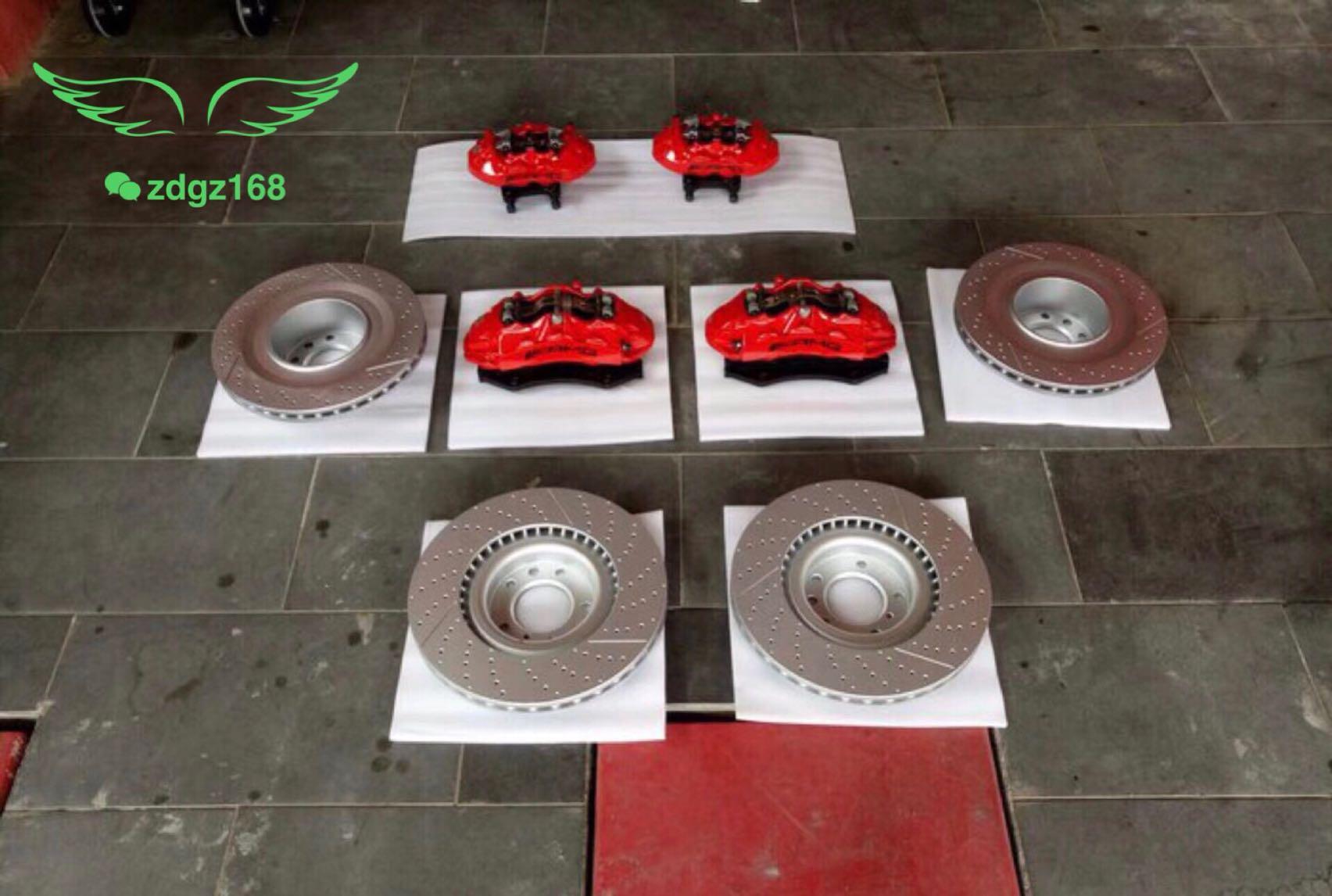 奔驰G350刹车改装升级原厂AMG刹车卡钳改装案例图