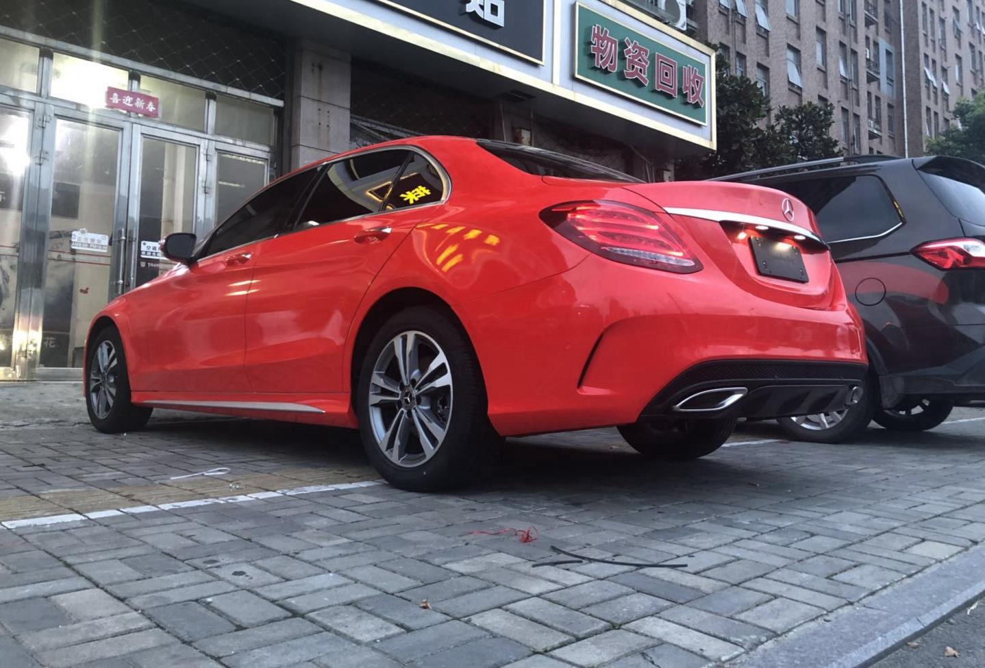 成都靓车会奔驰C200亮红汽车改色贴膜