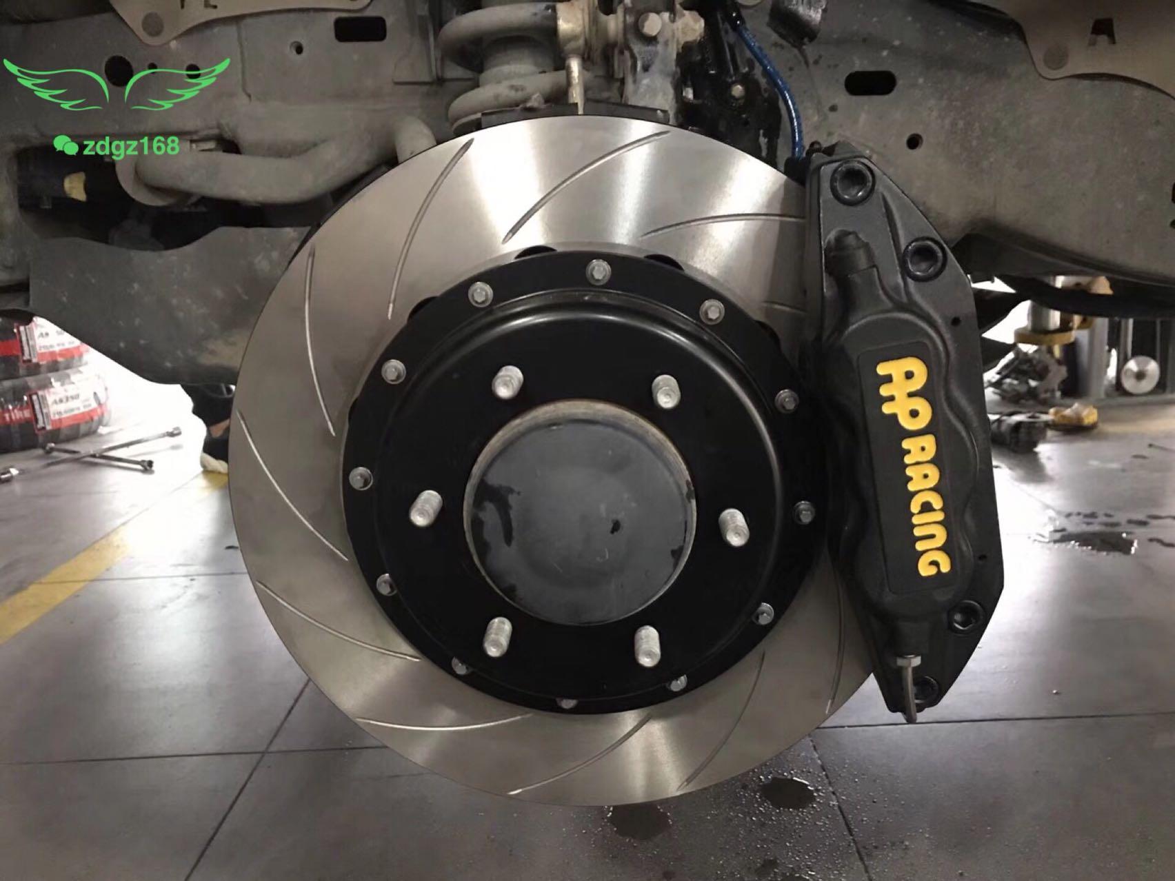 丰田普拉多刹车升级前轮英国Ap7040六活塞套装,原厂18寸轮毂,原装位直接安装!