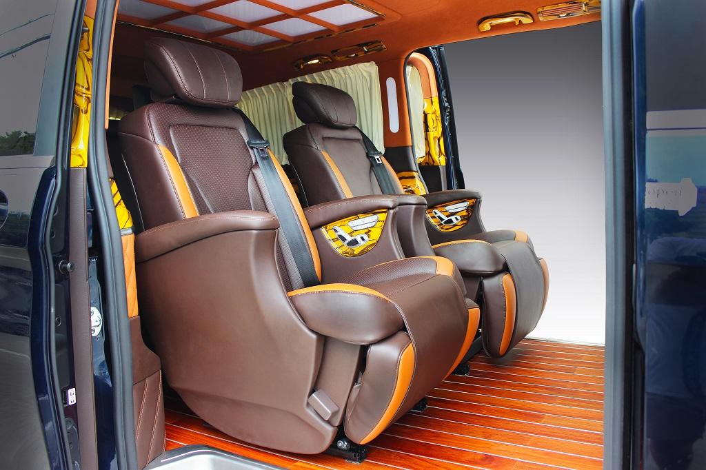 奔驰V260内饰改装打造性感时尚风