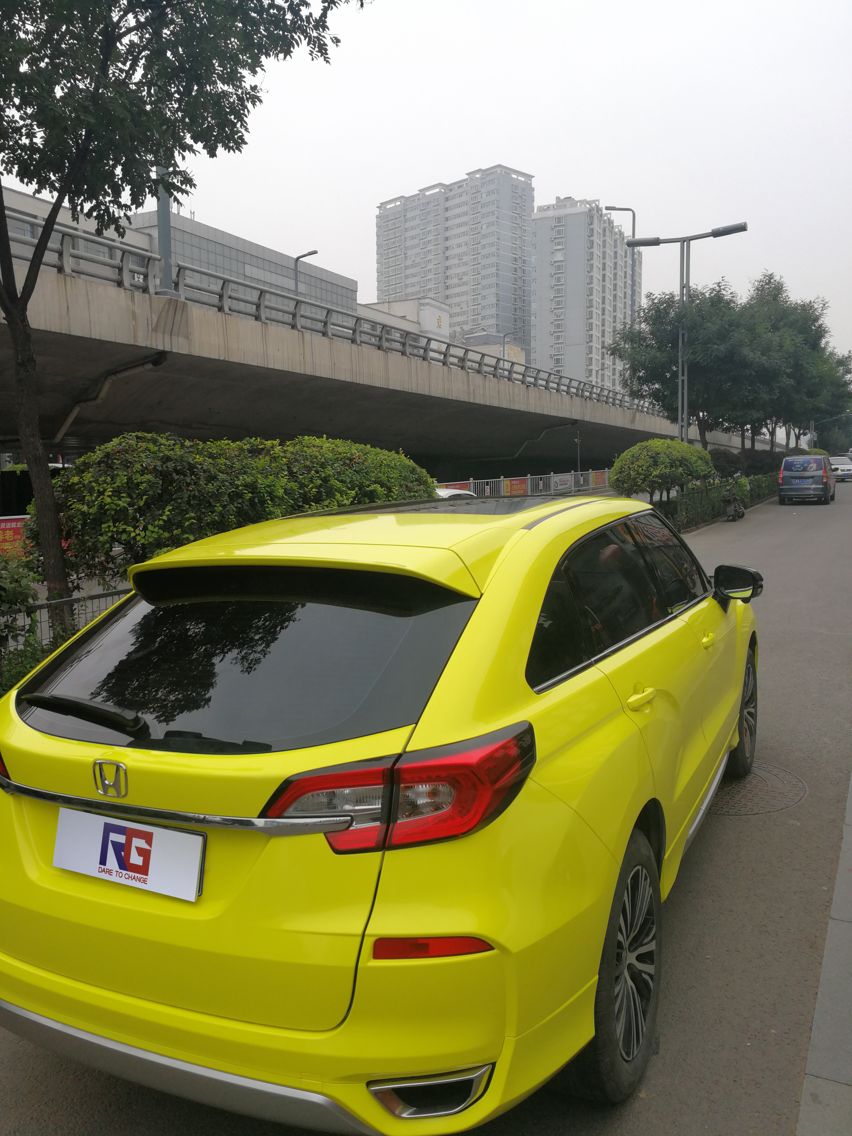 本田冠道车身改色水晶柠檬黄案例