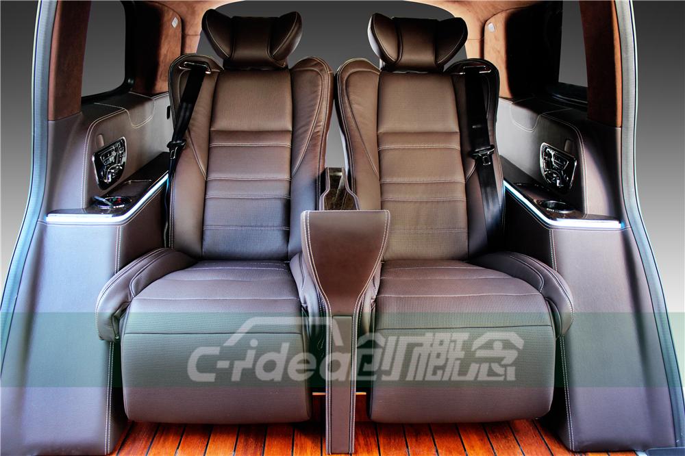 奔驰GLS450内饰改装头等舱座椅霸气外漏