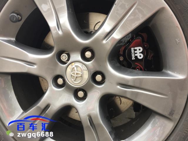丰田塞纳19寸轮毂升级英国AP85系列前六后四低调黑完美上轮效果自己看
