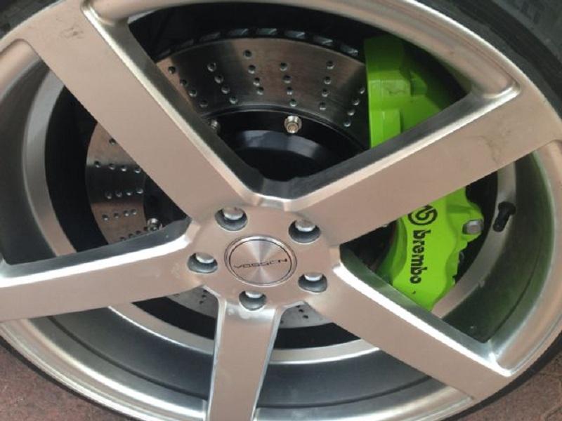 英菲尼迪G37改装BREMBO升级刹车卡钳改装