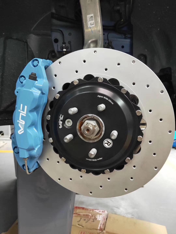 捷豹F-Pace刹车升级香港VINIC六活塞刹车卡钳改装案例图