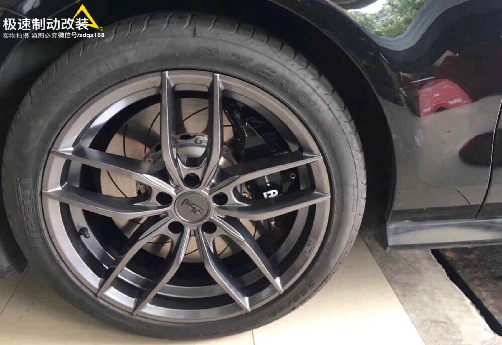 黑武士奥迪A7 刹车升级前轮Ap9560大六活塞刹车套件!完美上车,轮毂好饱满。