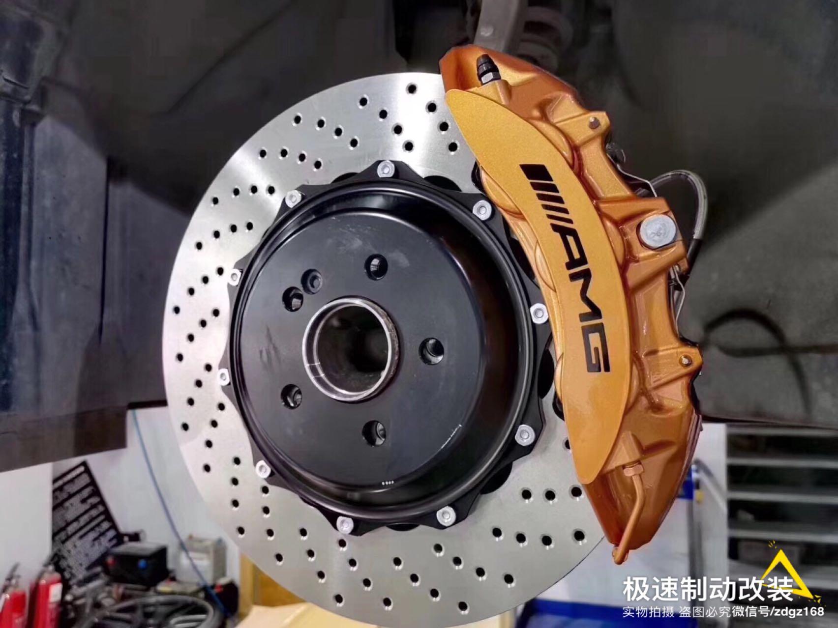 奔驰E200刹车升级Brembo 前六后四刹车卡钳改装案例图