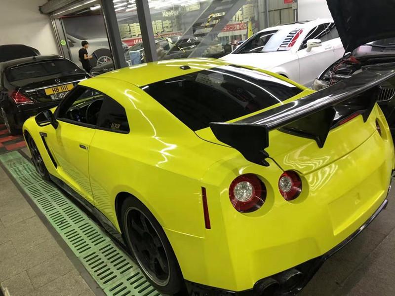 潮物战神GTR车身改色柠檬黄