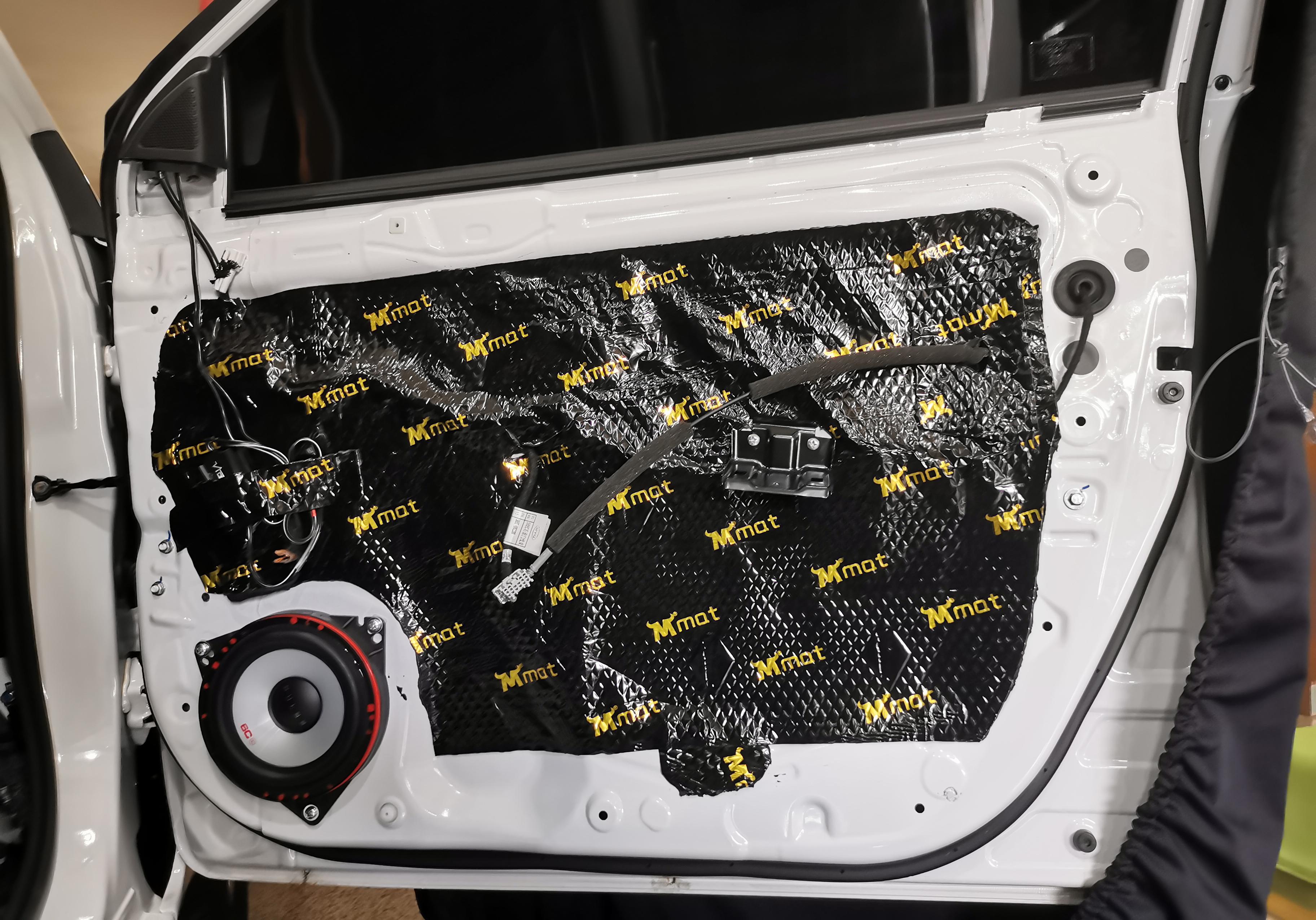 比亚迪E5音响改装