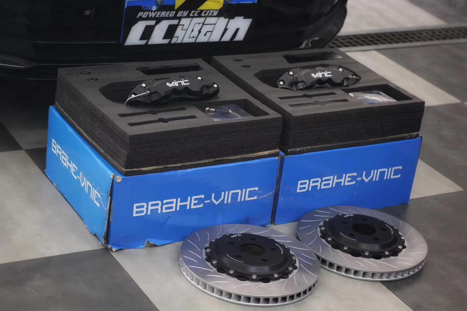 迈腾b8刹车升级VINIC六活塞刹车套件