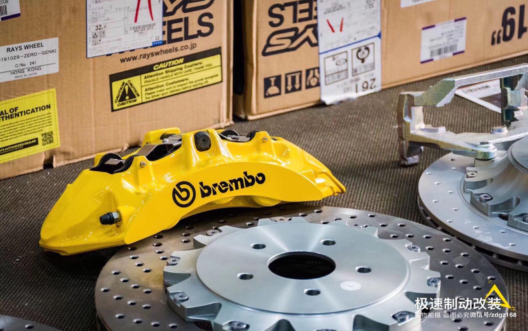 丰田威尔法Hybrid刹车升级前轮Brembo 通用款六活塞套装,后轮换一对370加大碟,上车完美