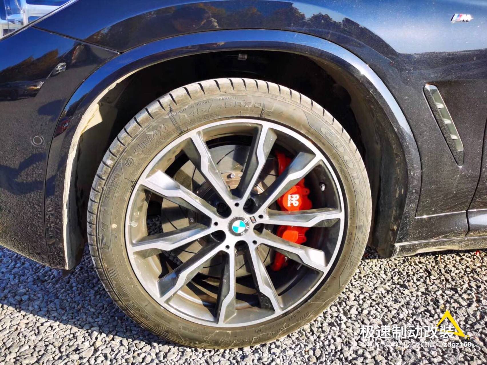 2020款宝马X3刹车升级AP8521大六刹车套装[胜利],上车轮毂饱满!制动效果更灵敏