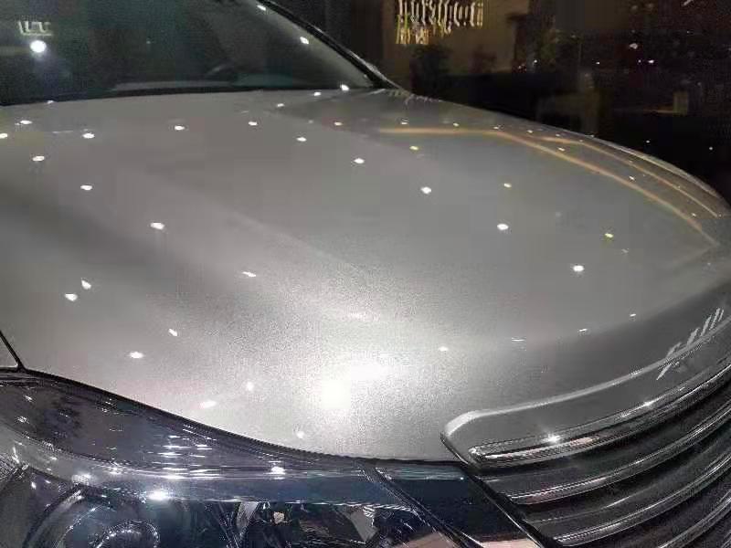 丰田皇冠全车喷漆改色马丁珍珠白金灰