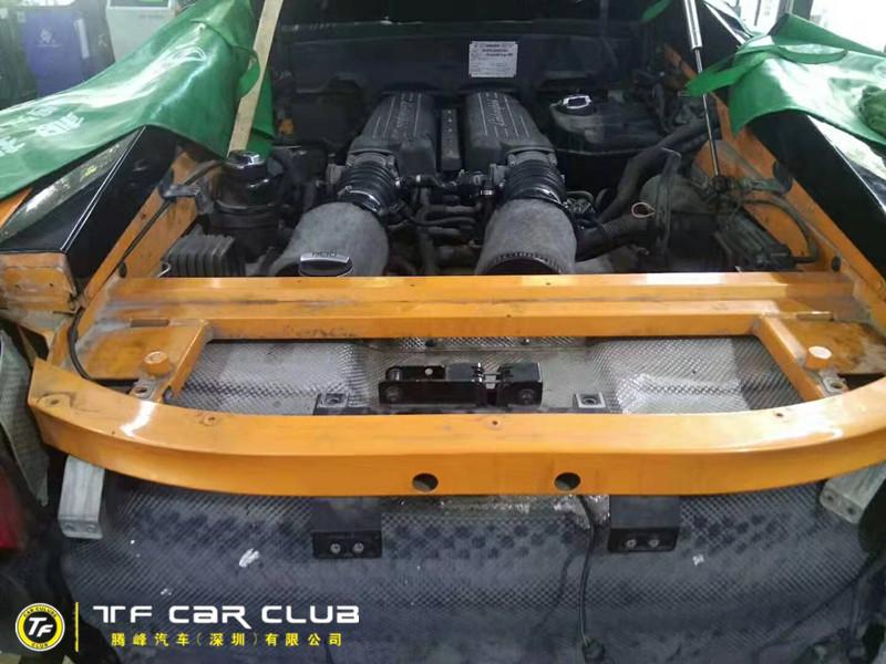 兰博基尼小牛维修发动机及变速箱漏油问