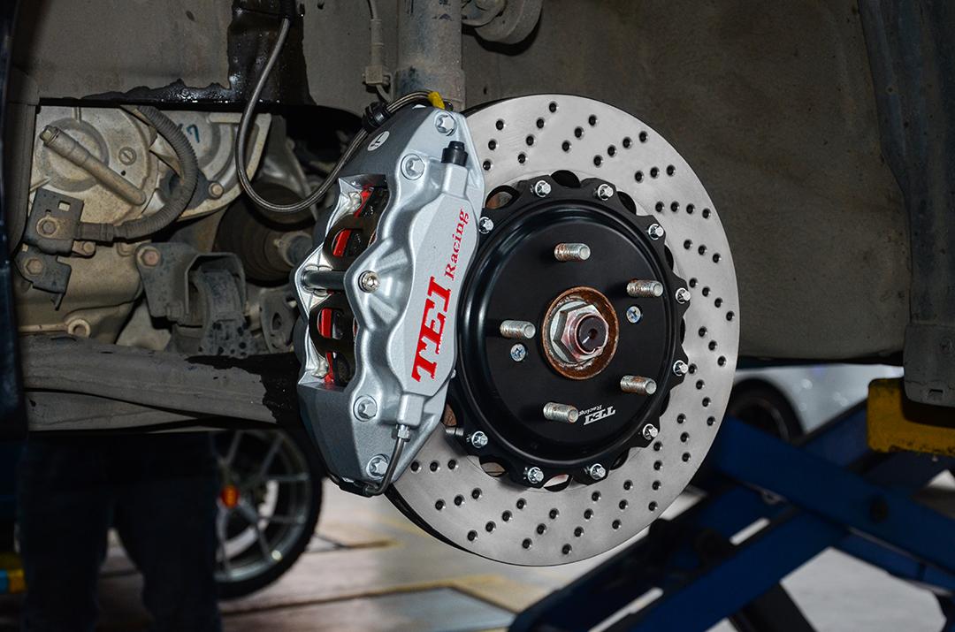 本田九代雅阁改装TEI Racing P40S刹车套件